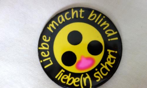 Sticker Liebe macht blind