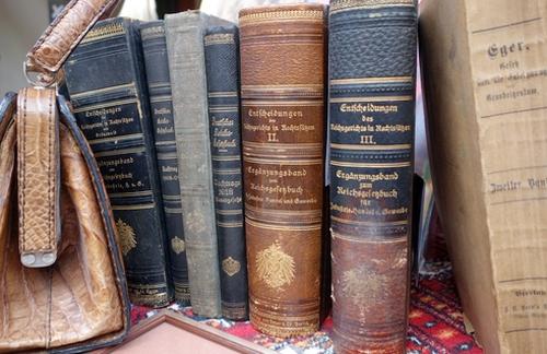Alte Bücher auf dem Flohmarkt