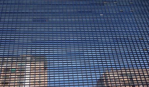Hunderte kleiner Fenster