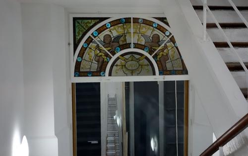 Historisches Fenster im Treppenhaus
