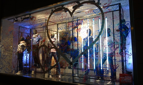Schaufenster in der Hauptstrasse