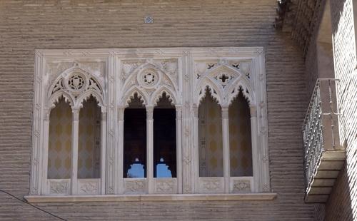 Fenster über dem L'arc Dean