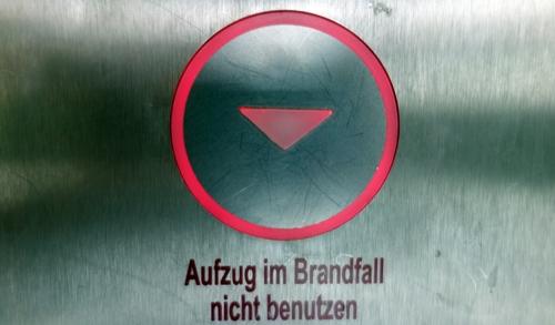 Aufzug nach unten
