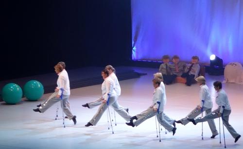 Tanz auf Krücken