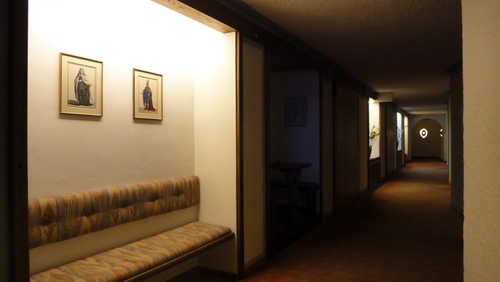 Bank im Hotelfur