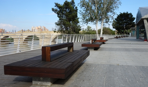 Bänke am Ebro