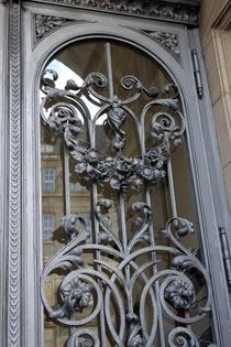 Herrliche Schmiedekunst an der Tür