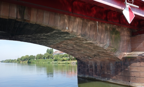 Eisenbahnbrücke in Ladenburg